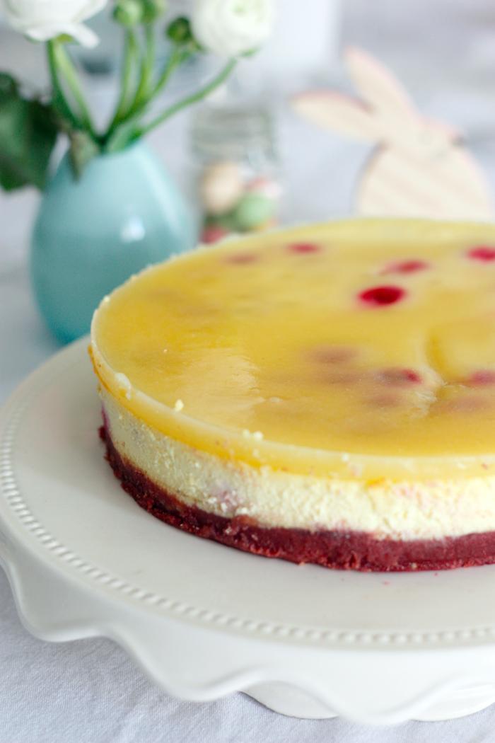 Associez le citron et la framboise pour un cheesecake délicieux et raffiné.